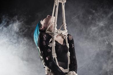Dossier : la suspension dans le BDSM et le fétichisme